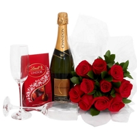 Buque de Rosas com Chandon e Lindt - Kit Romântico